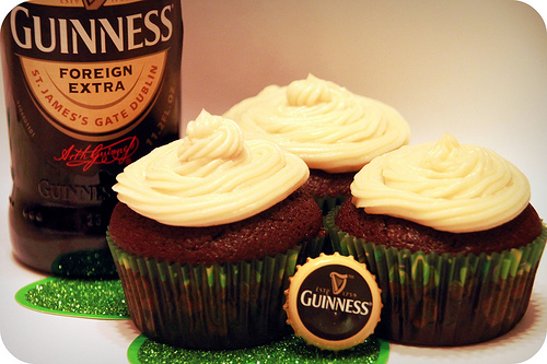 Dark Chocolate Guinness Cupcakes: get 'drunk' on delicious dessert ...